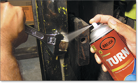 A high solvency penetrant that quickly cuts through dirt, rust and scale to creep into parts that have become frozen or encrusted with corrosion